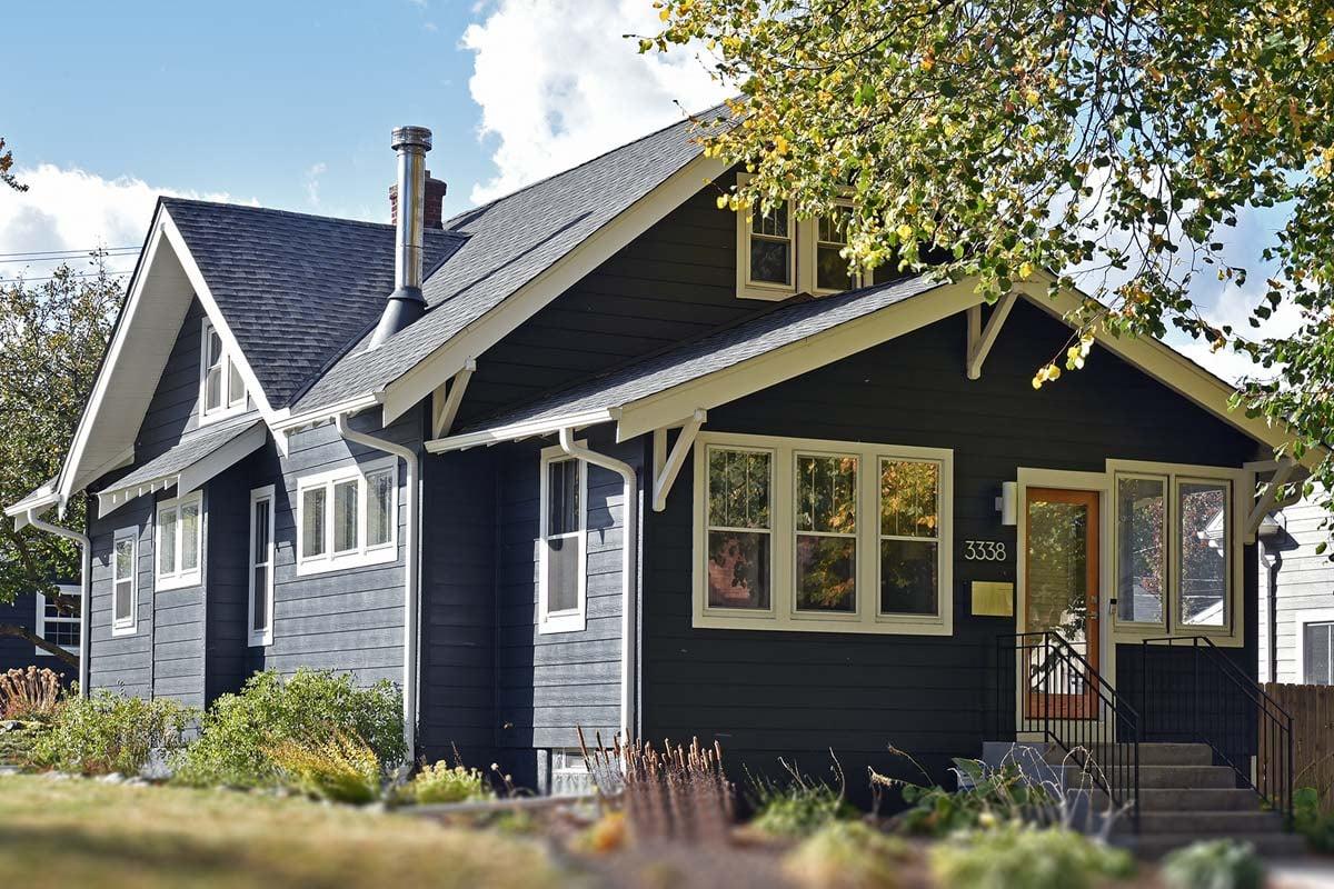Exterior Design James Hardie Siding Anvil Black, GAF Roofing Timberline Pewter Grey