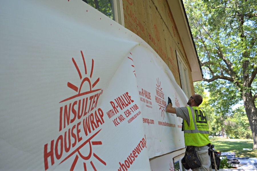 Insulated housewrap installation